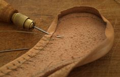How to sew a leather lining on a piece of leather