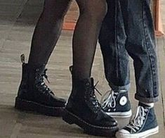 Couple Aesthetic, Aesthetic Grunge, Aesthetic Pictures, Aesthetic Drawings, Aesthetic Yellow, Aesthetic Shoes, Aesthetic Gif, Aesthetic Backgrounds, Aesthetic Clothes