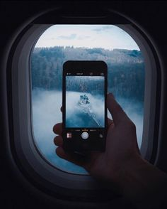 Airplane Window, Airplane View, Taking Pictures, Cool Pictures, Plane Photography, Overseas Travel, Polaroid Pictures, Tumblr, Aesthetic Art