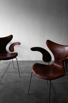 Arne Jacobsen Seagull chair