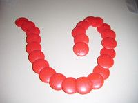 """Vintage Red flat POPPET beads very short necklace 13.5""""long in good condition"""