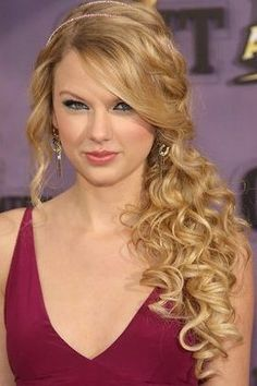 taylor-swift-side-swept-hairstyle1