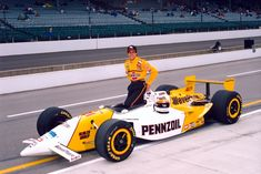 Roberto Guerrero in 1996 Indy Car Racing, Indy Cars, Classic Race Cars, Indianapolis Motor Speedway, American Racing, Old Race Cars, Grid Girls, Vintage Race Car, Car And Driver