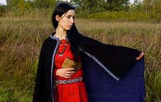 Viking cloak for woman with selvadge, Valkyrie, medieval, historical cloak for woman, viking, fantasy, goth, by SlavMedievalShop on Etsy https://www.etsy.com/listing/167390809/viking-cloak-for-woman-with-selvadge