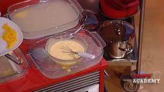 Creme inglês - Chefe Marlene - em: http://media.rtp.pt/blogs/chefsacademy/receitas/creme-inglês
