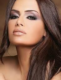 Resultado de imagem para maquiagem para olhos castanhos escuros
