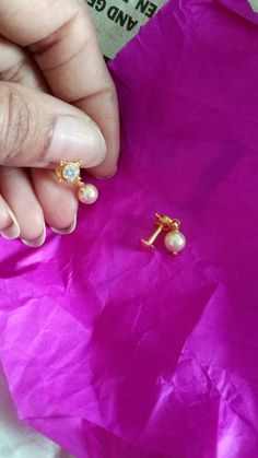 Antique Jewellery Designs, Gold Ring Designs, Gold Bangles Design, Gold Jewellery Design, Gold Earrings For Kids, Gold Jewelry Simple, Jewelry Design Earrings, Gold Earrings Designs, Baby Jewelry