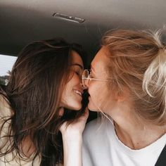 Cute Lesbian Couples, Lesbian Love, Cute Couples Goals, Couple Goals, Lgbt, Want A Girlfriend, Cute Gay, Girls In Love, Couple Pictures