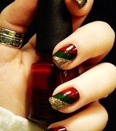 34 Striped Christmas Nail Art Designs [Christmas party stripe!]
