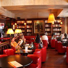 Les editeurs, St. Germain, Paris -- J'adore cet café de plus bien.