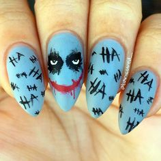 Joker nails More nail art designs 2019 nail designs for short nails 2019 holiday nail stickers nail art stickers walmart nail art stickers online Cute Halloween Nails, Halloween Acrylic Nails, Halloween Nail Designs, Scary Halloween, Halloween Ideias, Disney Halloween, Halloween Costumes, Toe Nail Color, Nail Colors
