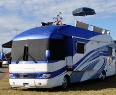 airstream sky deck | Big Blue :: 2003 Airstream - Airstream Forums Luxury Rv, Expedition Truck, Large Truck, Airstream Trailers, Motor Homes, Camping Glamping, Rv Life, Exterior Paint, Camper Van