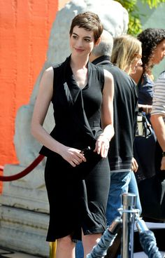Anne Hathaway Photo - Christopher Nolan Immortalized With Hand And Footprint Ceremony