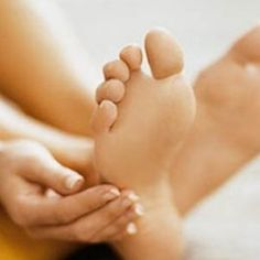 Home Remedies For Cracked Heels - Natural Treatments, Cure For Cracked Heels |