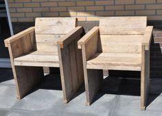 Eettafel stoel met een schuine rug leuning van oud gebruikt steigerhout (22131511)   Bankjes & Stoelen   JORG`S Houten Meubelen