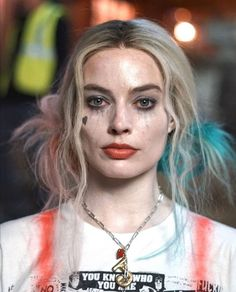 "Margot Robbie as Harley Quinn In ""Birds Of Prey"" 💗 Arlequina Margot Robbie, Margo Robbie, Margot Robbie Harley Quinn, Harley Quinn Et Le Joker, Harley Quinn Drawing, Birds Of Prey, Harey Quinn, Der Joker, Dc Comics"