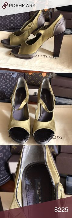 875bd8452a2 🎄CHRISTMAS SALE🎄Louis Vuitton Mary Jane Pumps 🎄 Authentic. Never worn  but with