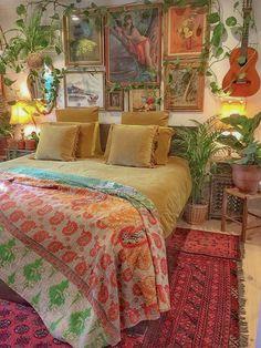 33 beautiful bohemian bedroom decor to inspire you decoration Bohemian House Decor Beautiful Bedroom Bohemian Decor Decoration Inspire Bohemian Bedroom Design, Bohemian House, Bohemian Interior, Bohemian Bedrooms, Modern Bohemian, Hippy Bedroom, Boho Chic, Bohemian Room, Vintage Bohemian