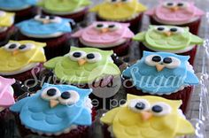 Sweet As Sugar: Owl Fondant Cupcake Toppers - HOOT!