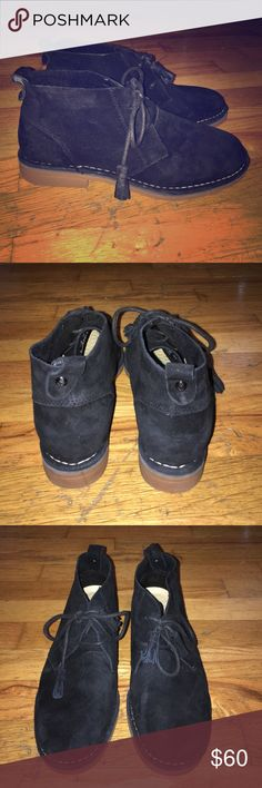 Black Hush Puppies Chukka Boot W8 Black suede hush puppies cyra catelynn chukka boot. WOMENS size 8. These boots are oh so comfortable. Lightly worn. Hush Puppies Shoes