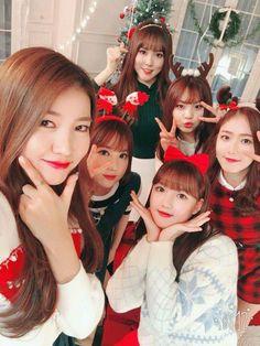 Check out GFriend @ Iomoio Kpop Girl Groups, Korean Girl Groups, Kpop Girls, Gfriend Yuju, Gfriend Sowon, Gfriend Album, Extended Play, Cloud Dancer, Entertainment