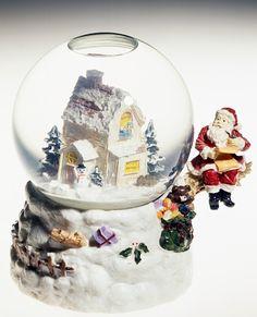 Santa Claus and home, snowglobe, 20th century