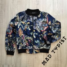 Nowości w Mad Typist. New arrivals at Mad Typist. 👌😍 #cracow #fashion #boutique #style #streetwear #bomberjacket #jacket #autumn #velvet