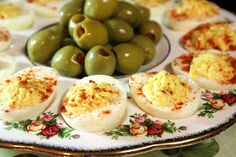 Deep South Dish: Traditional Southern Deviled Eggs - Only type I like!