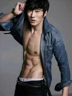 So Ji-sub and his abs..........
