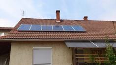 napelem rendszer háztartásoknak Solar Panels, Outdoor Decor, Home Decor, Sun Panels, Interior Design, Home Interiors, Decoration Home, Interior Decorating, Home Improvement