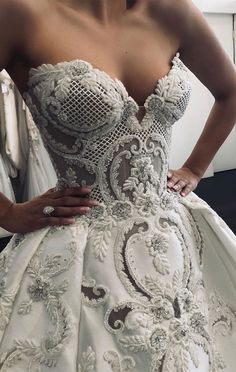 33 Breathtakingly beautiful wedding gowns with amazing details <br> A gorgeous wedding dress is a must-have for the day. Finding stunning wedding dresses to choose from is so much more involved than a bride. Stunning Wedding Dresses, Best Wedding Dresses, Bridal Dresses, Dress Wedding, Most Beautiful Dresses, Modest Wedding, Ball Dresses, Ball Gowns, Formal Dresses