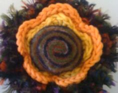 Knit & felt floral brooch