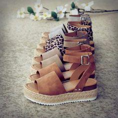 Espadrille Sandals, Shoes Sandals, Espadrilles Outfit, Heeled Sandals, Flatform Sandals Outfit, Wedge Sandals, Sandal Heels, Brown Sandals, Strappy Sandals