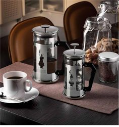 For lovers of traditional coffee! The french press provides the simplest way of making quality, traditional coffee. the Bialetti Preziosa Cafetiere Coffee Uses, Coffee Type, Espresso Shot, Espresso Coffee, Coffee Creamer, Coffee Maker, Coffee Machine, Chocolate Covered Coffee Beans, Ground Coffee Beans