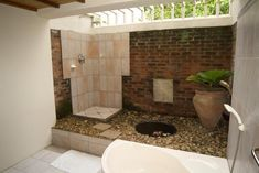 Pictures Of Inspiring Outdoor Shower Design Ideas: Cozy Open Shower Design With Brick Wall Stoe Flooring Ideas ~ gtrinity.com Outdoor Design Inspiration