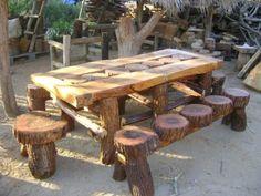 Tree Stump Furniture, Rustic Log Furniture, Pallet Furniture, Garden Furniture, Deco Restaurant, Diy Garden Decor, Diy Wood Projects, Wood Design, Picnic Table
