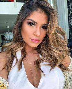 Shop our online store for blonde hair wigs for women.Blonde Wigs Lace Frontal Hair Brazilian Mink Lace Front Wigs From Our Wigs Shops,Buy The Wig Now With Big Discount. Ombre Hair Color, Hair Color Balayage, Hair Highlights, Caramel Highlights On Dark Hair, Frontal Hairstyles, Wig Hairstyles, Mexican Hairstyles, Real Hair Wigs, Blonde Wig