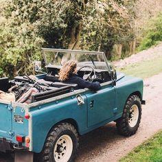Land Rover (Series & Defenders) and more stuff I like. Ford Bronco, Retro Cars, Vintage Cars, Vintage Jeep, My Dream Car, Dream Cars, Subaru, Beach Cars, Beach Fun