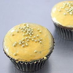 #118461 - Pot of Gold Cupcakes for St Patricks Day By TasteSpotting