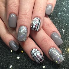 Nail art gallery fancy nails, pretty nails, get nails, classy gel nails, . Christmas Nail Art Designs, Holiday Nail Art, Winter Nail Designs, Winter Nail Art, Christmas Ideas, Christmas 2017, Plaid Christmas, Plaid Nail Designs, Nail Art For Christmas