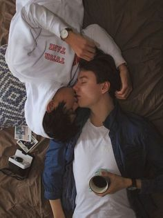 World's leading bisexual dating site for bisexual singles and couples. Looking for local bisexual people. Join For Free. Kpop Couples, Cute Gay Couples, Gay Aesthetic, Couple Aesthetic, Tumblr Gay, Boy Poses, Couple Photography Poses, Gay Art, Couple Goals