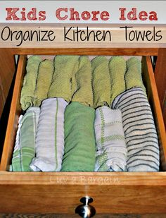 Easy Way to Organize Kitchen Towels