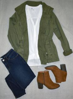 Fall Family Photo Outfits, Winter Outfits, Casual Outfits, Army Green Jacket Outfit, Olive Jacket Outfit, Jeans Azul, Looks Chic, Moda Fashion, Knit Sweaters