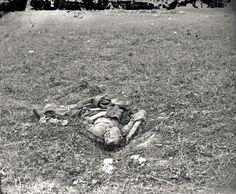 JOHN BANKS' CIVIL WAR BLOG: Antietam: Another look at image of a fallen Rebel
