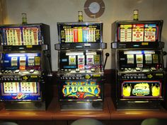 Ever heard someone saying he just got lucky at the casino? Because casino gambling is about luck; spells to win at slot machines. Nascar, Arcade, Bar, Las Vegas, Roulette, Online Casino Slots, Slot Machine Cake, Casino Bonus, Tulalip Casino