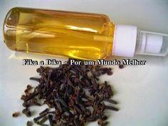 Repelente de mosquitos para o corpo e ambiente:  500 ml (1/2 litro) de álcool líquido 10 gramas de cravo-da-índia (1 pacote) 100 ml de óleo corporal com um aroma de sua preferência