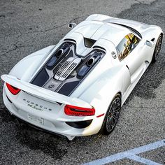 Porsche 918 Follow our Friends @BeverlyHillsCarClub for more of their amazing classics @BeverlyHillsCarClub Visit www.BeverlyHillsCarClub.com #