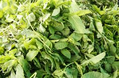 Mint aids digestion and is beneficial for nausea and flatulence. #healthbenefits #healthy #organic #ingredients