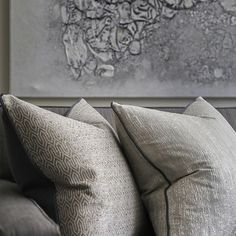 Picking out the colours and textures from the art into the cushions #details #behindthedesign #interiordesign #homedecor #sophiepatersoninte...