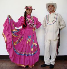 A Honduran couple in Honduras in traditional dresses. Tegucigalpa, Folk Costume, Costumes, International Clothing, South American Countries, World Cultures, Traditional Dresses, Central America, Winter Outfits